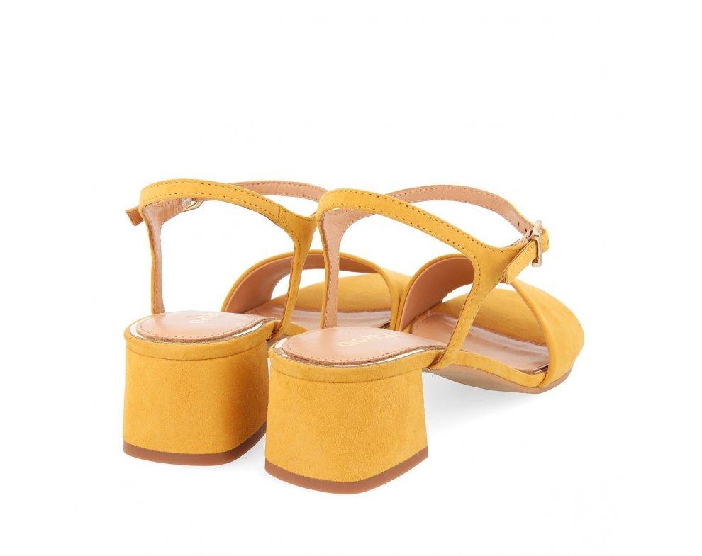 Sandále GP49044 MUSTARD